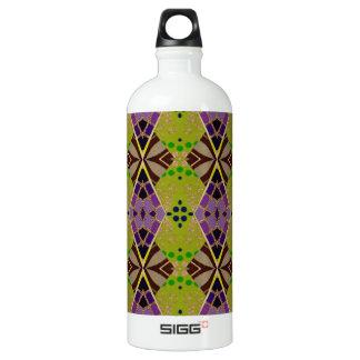 Botella de agua con collage hermoso