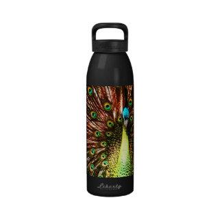 Botella de agua de la pintura del pavo real