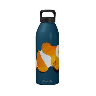 Botella de agua de los pescados del payaso