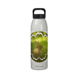 Botella de agua del conejo de conejito