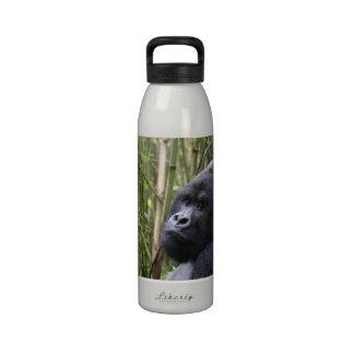 Botella de agua del gorila de la tierra baja