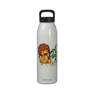 Botella de agua del león