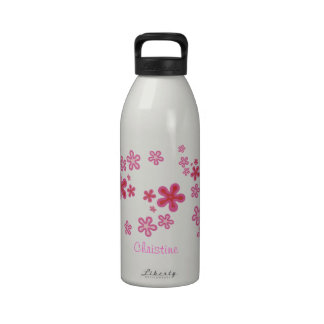 Botella de agua floral rosada caprichosa