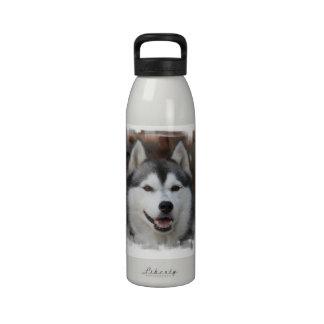Botella de agua fornida del perro