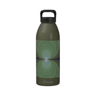 Botella de agua verde de la libertad del fractal d
