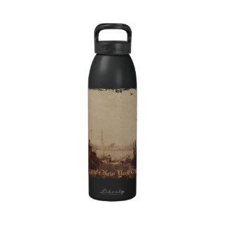 Botella de agua vieja de New York City