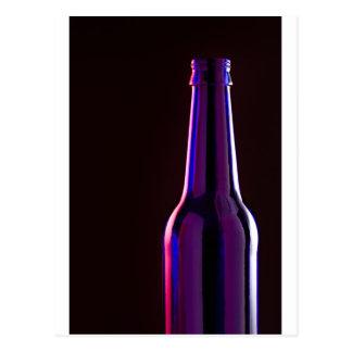 ¡Botella de cerveza azul en personalizar negro del Tarjeta Postal