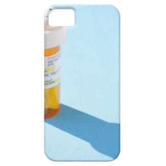 Botella de píldora por completo de medicación iPhone 5 carcasas