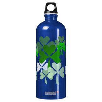 Botella de Thermos descolorada de los tréboles