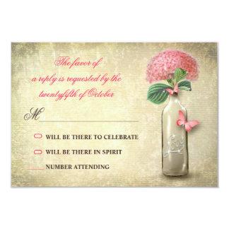 botella de vino del vintage y flores rosadas que invitación 8,9 x 12,7 cm