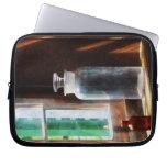 Botella reactiva y pequeña botella de Brown Funda Computadora