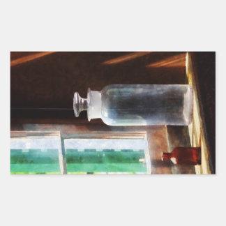 Botella reactiva y pequeña botella de Brown Pegatina Rectangular