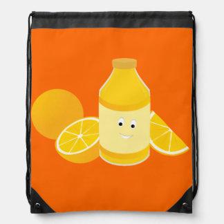 Botella sonriente del zumo de naranja mochila