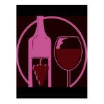 Botella y vidrio de vino rojo tarjetas postales