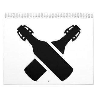 Botellas de cerveza cruzadas calendarios de pared