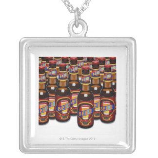 Botellas de cerveza de lado a lado compuesto de D Colgantes Personalizados