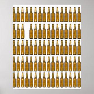 Botellas de cerveza en el fondo blanco póster