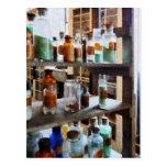 Botellas de sustancias químicas postal