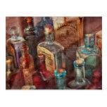 Boticario - una serie de botellas postal