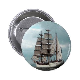 Botón alto magnífico de la nave pin