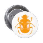 Botón anaranjado del escarabajo del escarabajo pin
