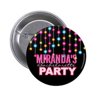 Botón atractivo del fiesta de Bachelorette de las