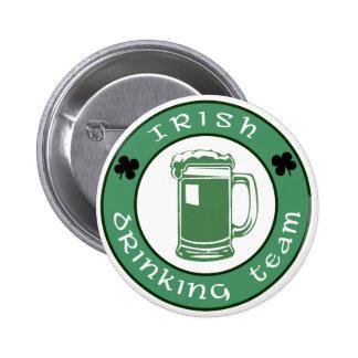 Botón de consumición irlandés del equipo pins