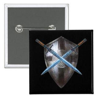 Botón de escudo de armas - espadas dobles y cruz c pin cuadrado