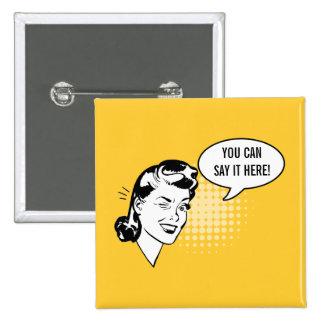 Botón de guiño retro del amarillo y blanco de la m pin cuadrado