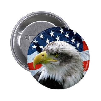 Botón de la bandera americana de Eagle calvo