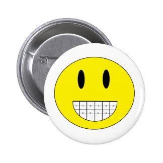 """""""Botón de la cara feliz de los apoyos"""" Pin Redondo De 2 Pulgadas"""