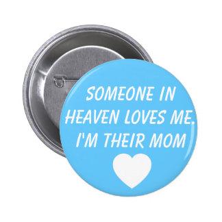Botón de la madre de Jaxon que se aflige Alexander Pin
