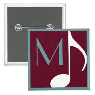 botón de la nota musical con inicial del personali pin cuadrado