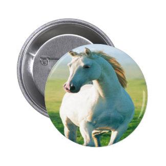 Botón del caballo blanco pin redondo de 2 pulgadas
