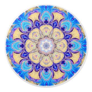 Botón del cajón con un modelo azul, púrpura, pomo de cerámica