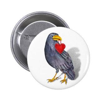 Botón del corazón del cuervo pin