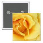 Botón del cuadrado del flor del rosa amarillo pin