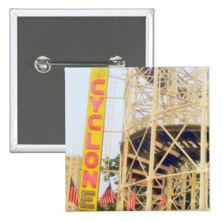 Botón del cuadrado del roller coaster del ciclón