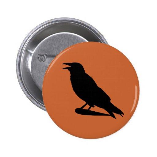 Botón del cuervo pin