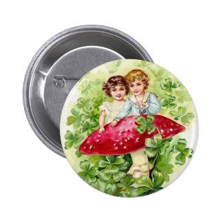 Botón del día de St Patrick del vintage Pins