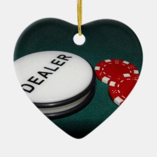 Botón del distribuidor autorizado del póker adorno navideño de cerámica en forma de corazón
