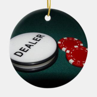 Botón del distribuidor autorizado del póker adorno navideño redondo de cerámica