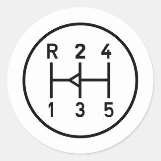 Botón del engranaje del coche de deportes, modelo etiqueta redonda