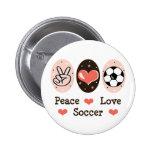 Botón del fútbol del amor de la paz pin
