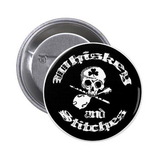 Botón del logotipo del whisky y de las puntadas