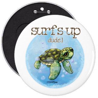 Botón del muchacho de la persona que practica surf pins