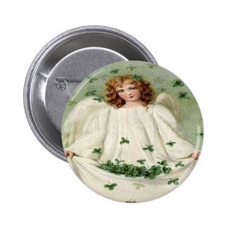 Botón del Pin del día de St Patrick del trébol del