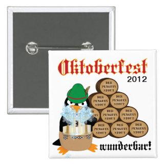 Botón del pingüino de Oktoberfest Pin Cuadrado