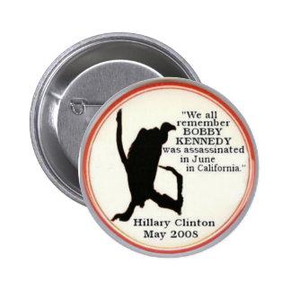 Botón del sillhouette del buitre de Hillary Pins