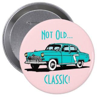Botón divertido del cumpleaños del coche clásico a pins